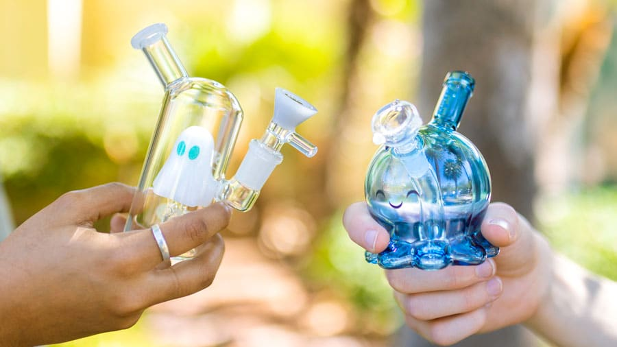 How Does a Bong Work? 7 Steps to Big Hits